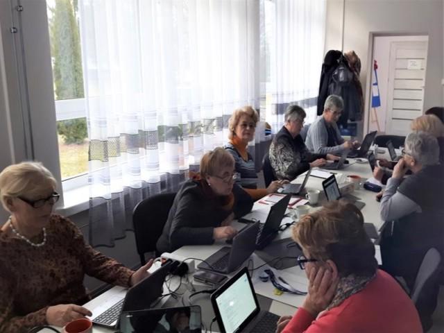 Rajgród - Seniorzy w internecie - foto 05
